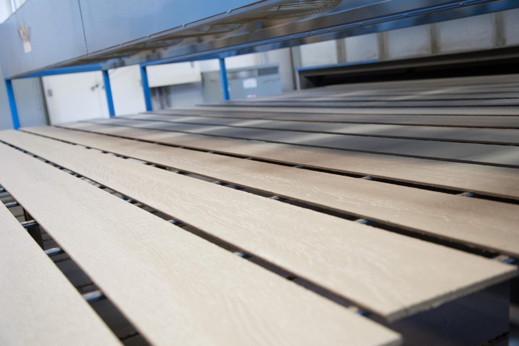 Midwest Factory Finishes Process for Prefinished Siding